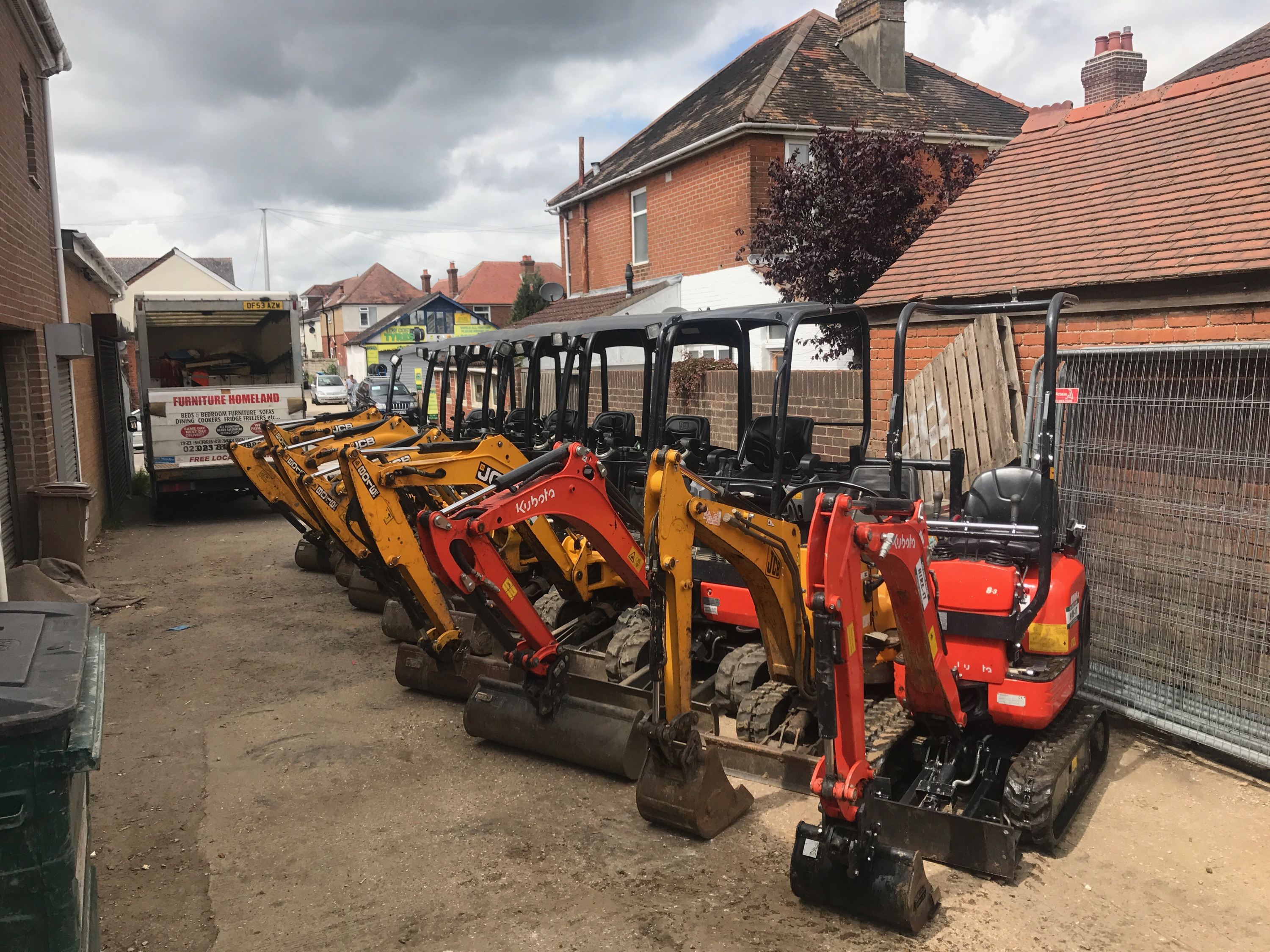 Diggers for hire in Southampton, Eastleigh and Winchester
